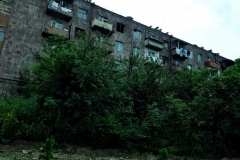 Sovjetiskt bostadshus, byn Sanahin, Armenien.