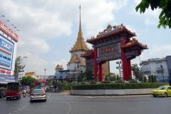 Tillbaka vid Chinatown Gate, Bangkok.