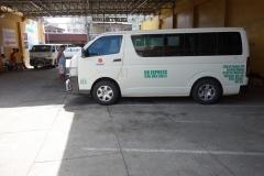 Minibussar på företaget Duptours, downtown Tacloban.