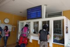 Biljettförsäljning på företaget Duptours, downtown Tacloban.