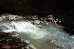 Vattnet nedanför Bagongbong Falls, Biliran.