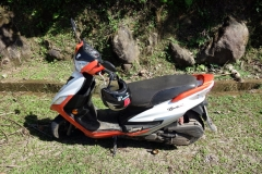 Motorcykeln jag använder för dagens äventyr på Biliran.