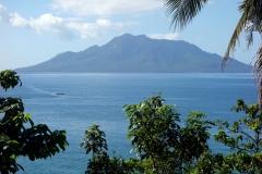 Vy mot Maripipi island från Bilirans norra kust.