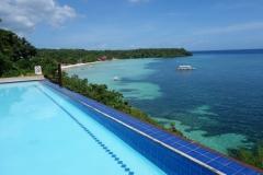 En av två pooler på Santiago Bay Garden & Resort, Pacijan.