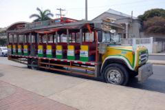 Chiva partybuss, promenaden till Convento de la Popa, Cartagena.