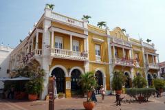 Fantastiskt vacker byggnad vid Plaza San Pedro Claver, Cartagena.