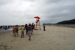 Livräddartorn på en av världens längsta obrutna sandstränder: Cox's Bazar.
