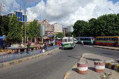 Gatuscen längs Uhuru street, Dar es-Salaam.