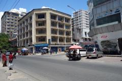 Gatuscen längs Samora Avenue, Dar es-Salaam.