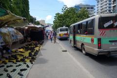 Marknad längs Bibi Titi Mohammed street, Dar es-Salaam.