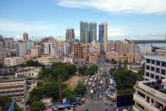 Utsikten över centrala Dar es-Salaam från taket på Chelsea Hotel.