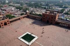Gårdsplanen med plats för 25 000 besökare, Jama Masjid Mosque (Fredagsmoskén), Delhi.
