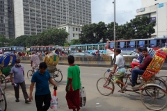 Gatuscen i centrala Dhaka.