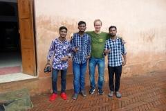 Stefan med tre grabbar från Motijheel, en stadsdel i centrala Dhaka.  Lalbagh Fort, Dhaka.