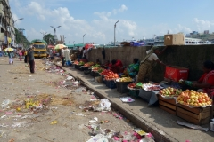 Fruktförsäljning vid Buriganga river, old Dhaka.
