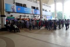 Köerna till biljettluckorna, Kamalapur Train Station, Dhaka.