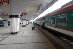Tåget till Chittagong, Kamalapur Train Station, Dhaka.