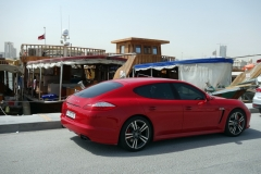 Porsche i hamnen i Doha.