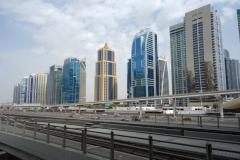 Skyskraporna vid DAMAC metrostation, Dubai.