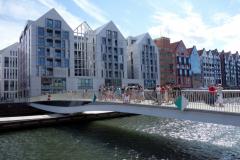 Den hydrauliska gångbron Holy Spirit över till Granary Island, Gdańsk. Invigdes i slutet av 2019.