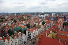 Utsikten från stadshuset i Gdańsk över gamla staden. Gatan som syns på bilden heter Piwna och där ligger hotellet jag bor på.