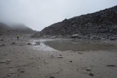 Peng startar några minuter före mig vid Gorak Shep mot Everest Base Camp!