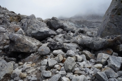 Det är en märklig känsla att vandra i detta fantastiska månlandskap längs leden upp till Everest Base Camp.