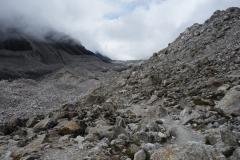 Vackra Khumbu-glaciären på nära håll, trekken upp till Everest Base Camp.
