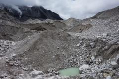 På väg ner mot mitten av Khumbu-glaciären där Everest Base Camp är beläget.