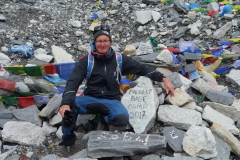 Stefan framme vid Everest Base Camp! En fantastisk känsla!