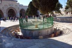 Al Kas Fountain, med al-Aqsamoskén i bakgrunden, Tempelberget, Jerusalem.