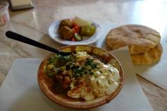 Falaffel och hummus. Min lunch på Abu Shukri, Muslim Quarter, Jerusalem.