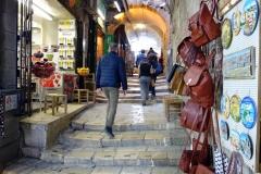 Gatuscen längs Via Dolorosa, Jerusalem.