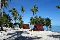 Övernattningsstugor på Kalanggaman island.