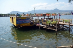 Flodbåt på Preaek Tuek Chhu, Kampot.