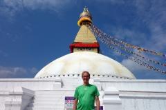 Stefan framför Boudhanath stupa, Katmandu.