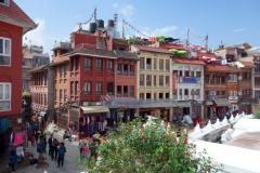 Arkitekturen vid entrén till Boudhanath, Katmandu.