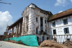 Jordbävningsskadade Hanuman Dhoka (Royal Palace), Durbar Square, Katmandu.
