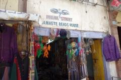 Affär längs berömda Freak Street, Katmandu.