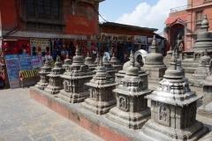 Stupas och byggnader uppe på Swayambhunath-komplexet, Katmandu.