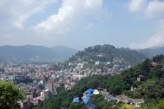 Utsikten över Katmandu från Swayambhunath-komplexet.