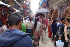 Längs gatan Siddhidas Marg, Katmandu.