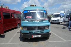 Mitt färdmedel från busstationen i Tirana till Kruja idag. Lite gammal och skraltig men charmig.