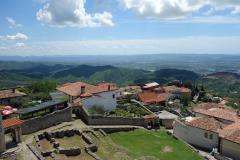 Utsikt från historiska museet över en del av vackra Kruja.