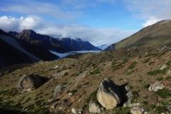 Churo-glaciären och en den av Kantega (6872 m) synlig. En kort stund in på trekken från Dingboche till Lobuche i morse.