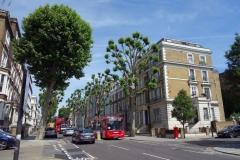 Gatuscen längs gatan Ladbroke Grove, Notting Hill.