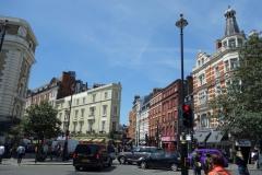 Gatuscen i korsningen Garrick Street-St Martin's Lane, Covent Garden.