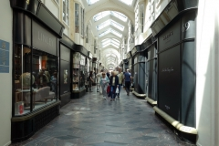 Burlington Arcade längs gatan Piccadilly, Mayfair.