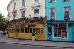Sun In Splendour Pub i södra änden av Portobello Road.
