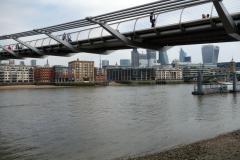 Millenium Bridge från Southwark.